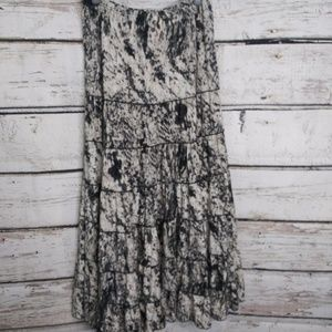 Metro Wear / Long flowy skirt / Size Small/Medium